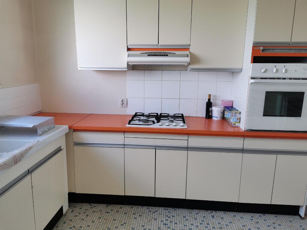 Appartement à louer 3 63.68m2 à Fleury-les-Aubrais vignette-2