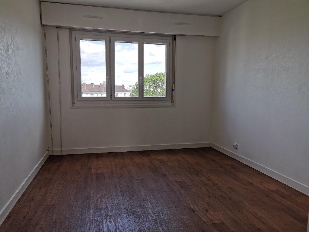 Appartement à louer 3 63.68m2 à Fleury-les-Aubrais vignette-4