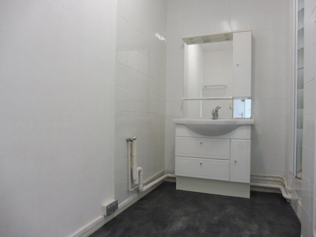 Appartement à louer 3 59m2 à Orléans vignette-5