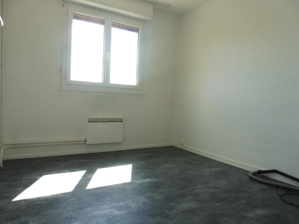 Appartement à louer 3 59m2 à Orléans vignette-7