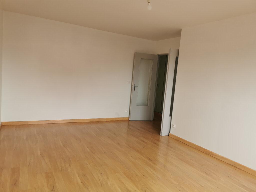 Appartement à louer 2 49m2 à Orléans vignette-3