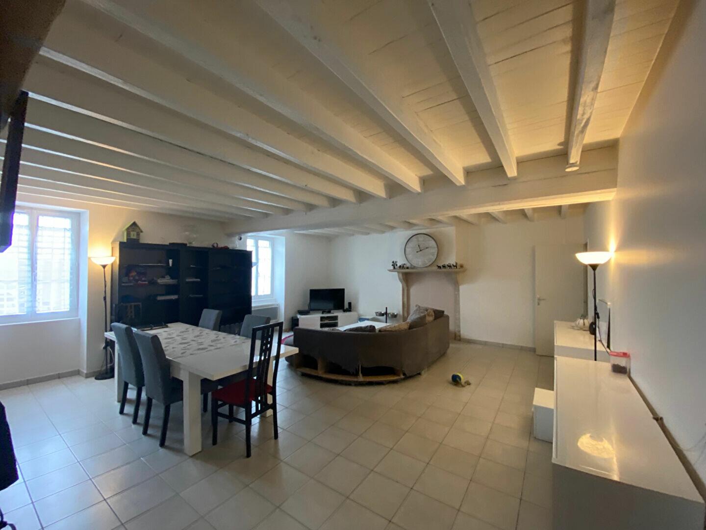 Maison à louer 4 129.92m2 à Cléry-Saint-André vignette-1