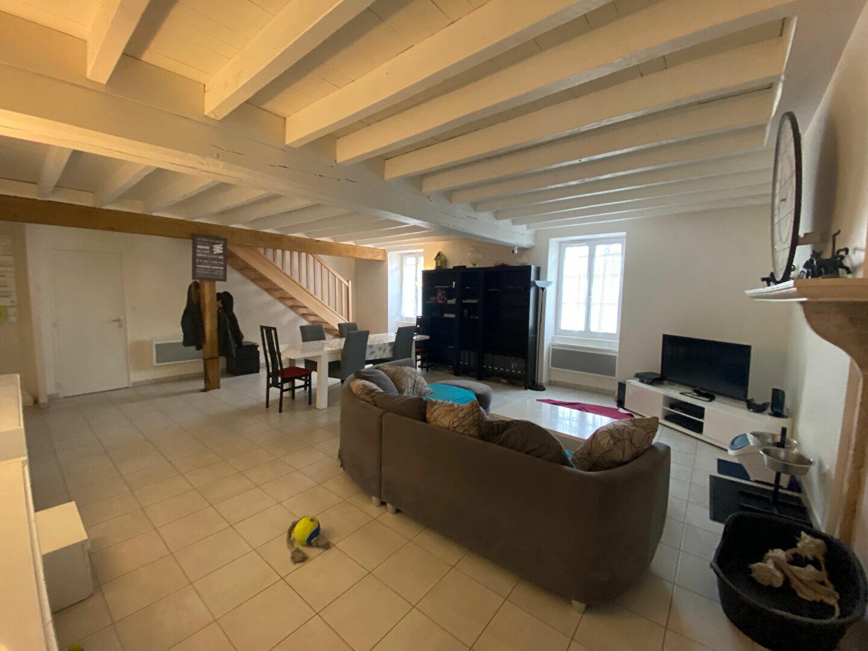 Maison à louer 4 129.92m2 à Cléry-Saint-André vignette-2