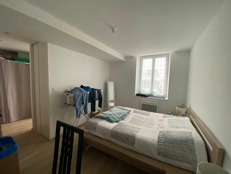 Maison à louer 4 129.92m2 à Cléry-Saint-André vignette-5