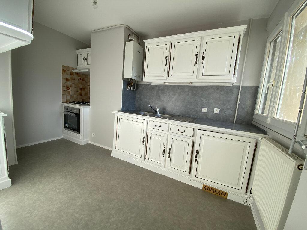 Appartement à louer 3 55m2 à Orléans vignette-1