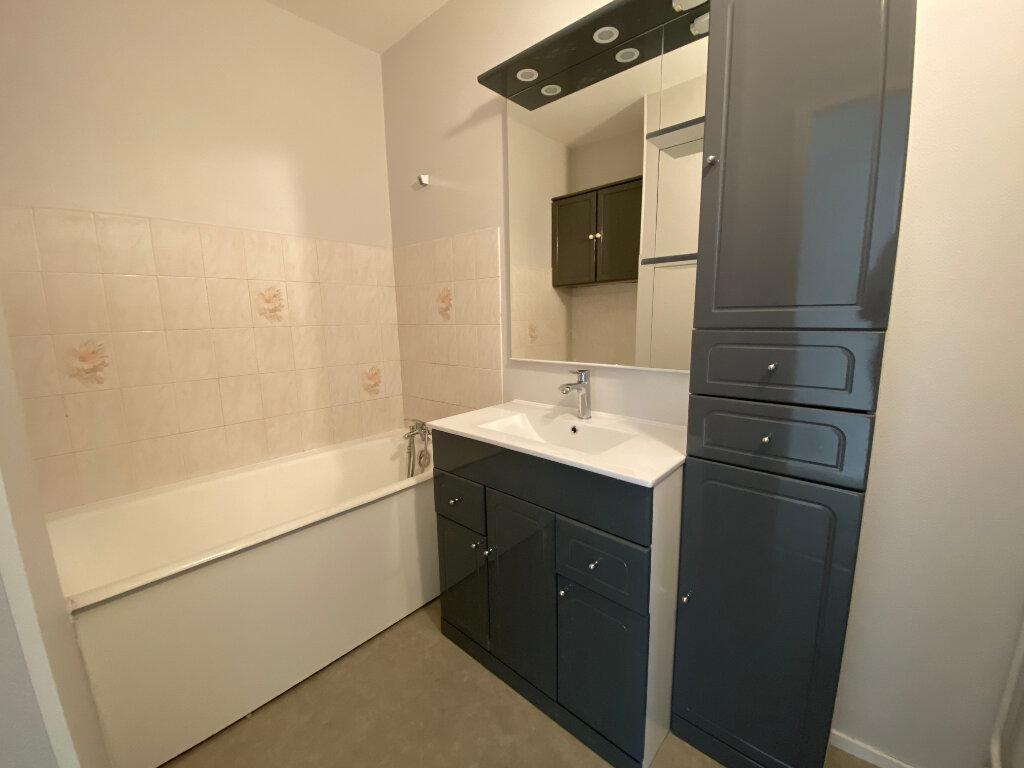 Appartement à louer 3 55m2 à Orléans vignette-4