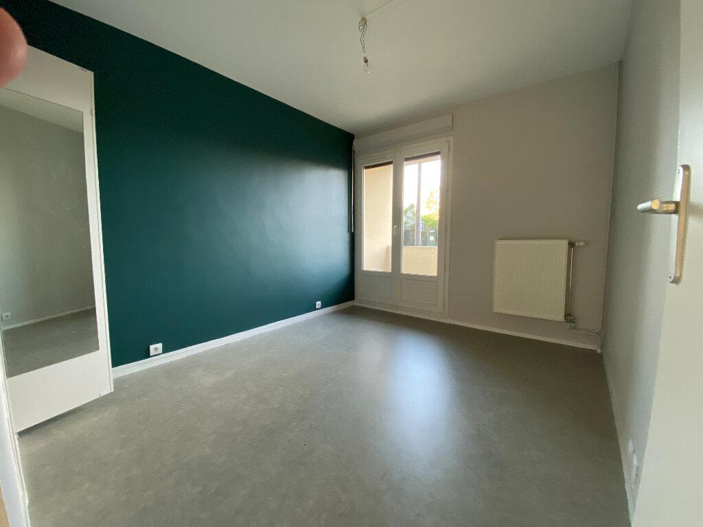 Appartement à louer 3 55m2 à Orléans vignette-5