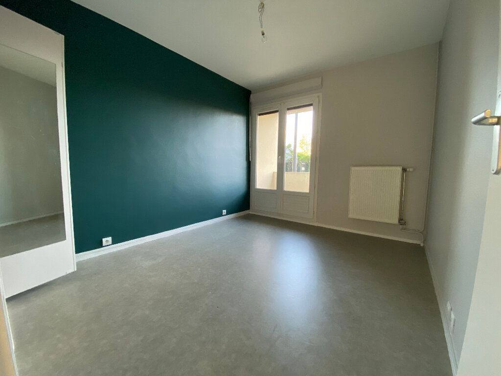 Appartement à louer 3 55m2 à Orléans vignette-7