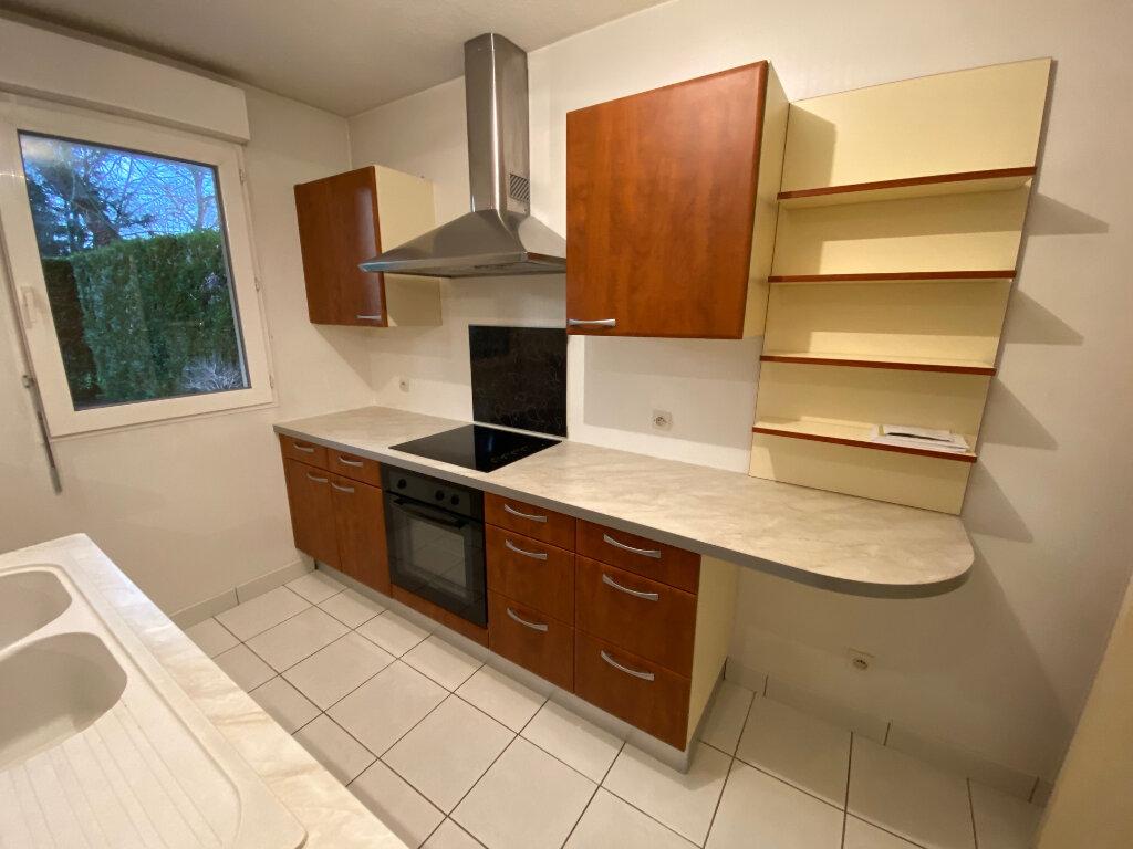 Appartement à louer 2 49.75m2 à Saint-Jean-de-la-Ruelle vignette-5
