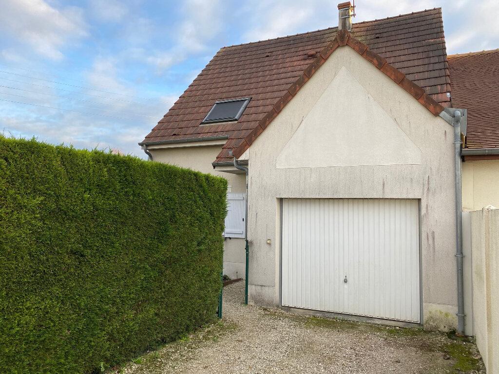 Maison à louer 4 102.08m2 à Saran vignette-5