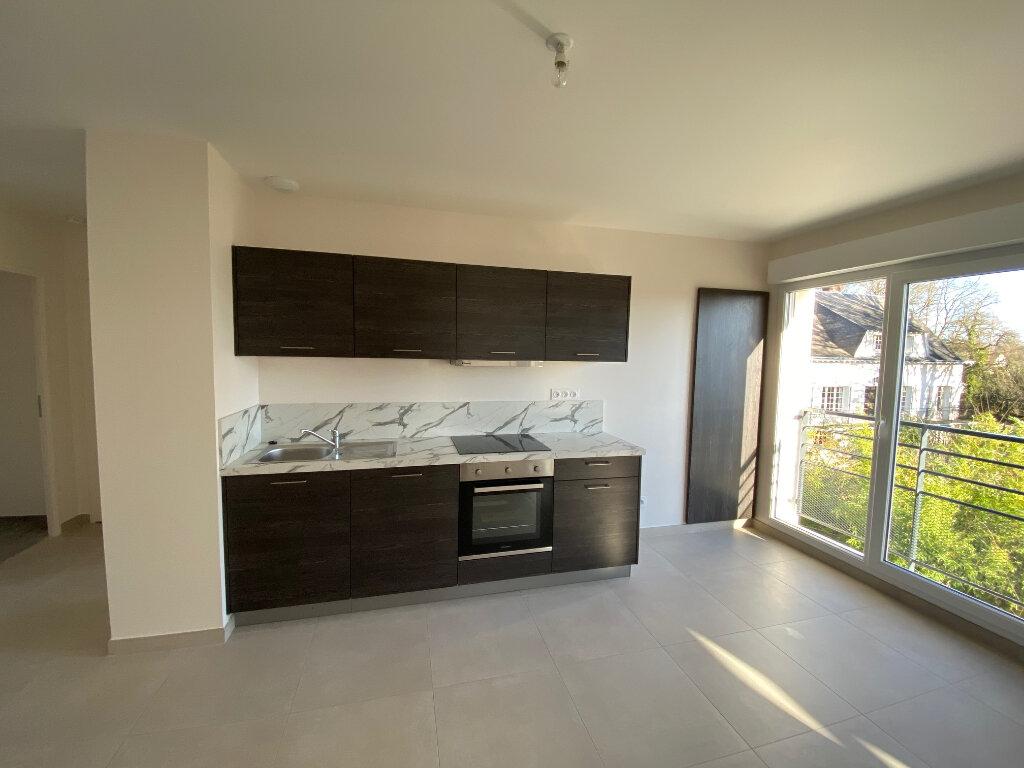 Appartement à louer 3 65.9m2 à Saran vignette-2