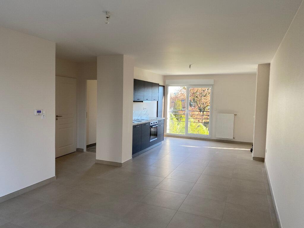 Appartement à louer 3 65.9m2 à Saran vignette-3