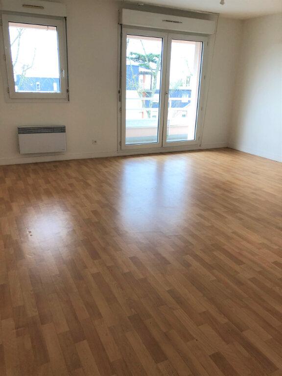 Appartement à louer 3 80.12m2 à Orléans vignette-1