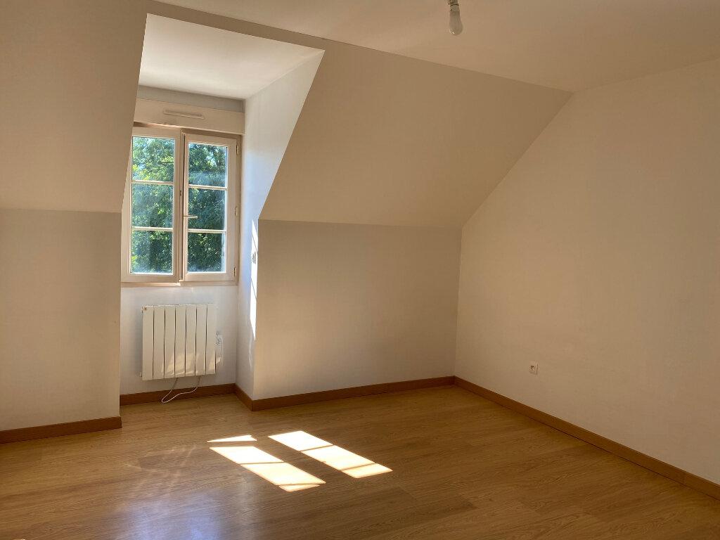 Maison à louer 5 106.27m2 à Saint-Jean-de-la-Ruelle vignette-7
