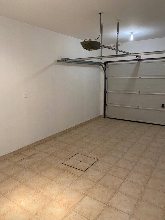 Maison à louer 5 106.27m2 à Saint-Jean-de-la-Ruelle vignette-12