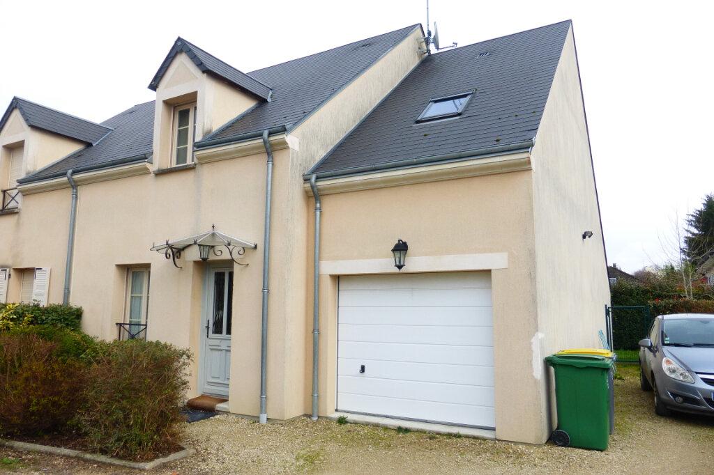 Maison à louer 5 106.27m2 à Saint-Jean-de-la-Ruelle vignette-15