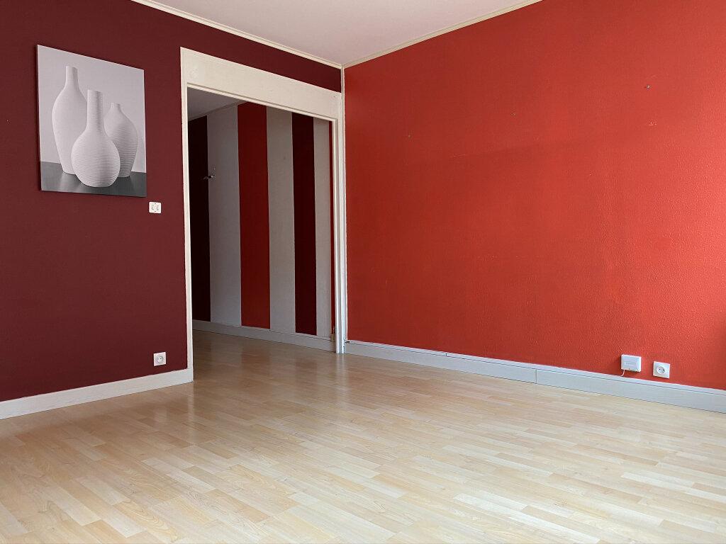 Appartement à louer 2 42.01m2 à Saint-Jean-de-Braye vignette-2