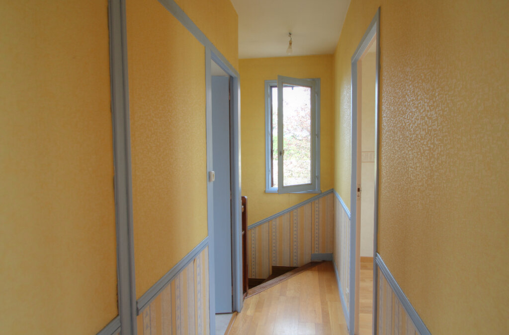Maison à vendre 5 111m2 à Saint-Jean-de-la-Ruelle vignette-10