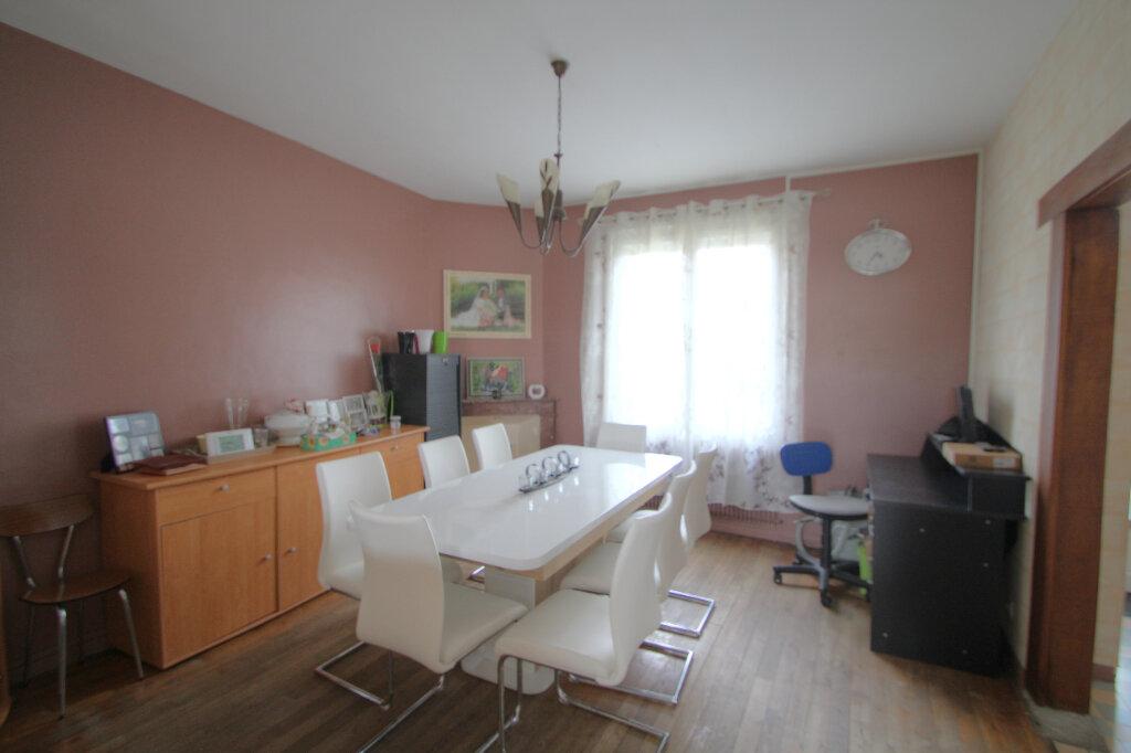 Maison à vendre 6 133m2 à Saint-Jean-de-la-Ruelle vignette-4