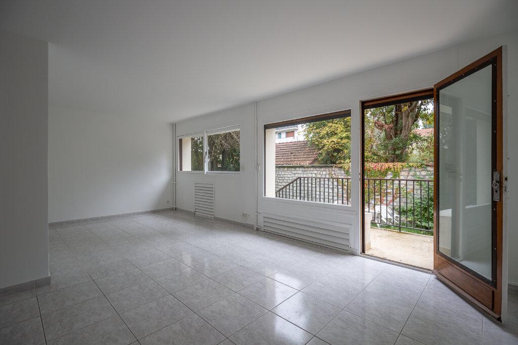 Appartement à louer 5 96.51m2 à Saint-Maur-des-Fossés vignette-1