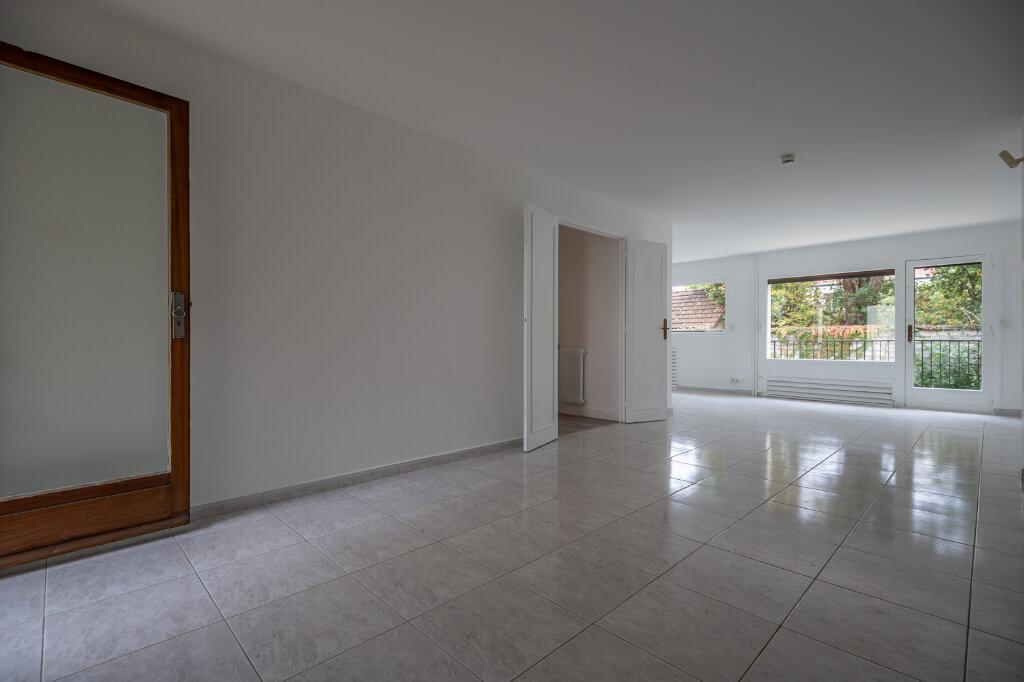 Appartement à louer 5 96.51m2 à Saint-Maur-des-Fossés vignette-2