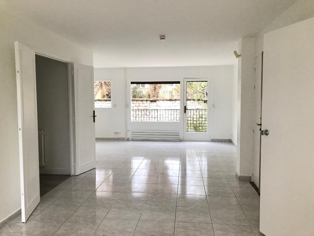 Appartement à louer 5 96.51m2 à Saint-Maur-des-Fossés vignette-3