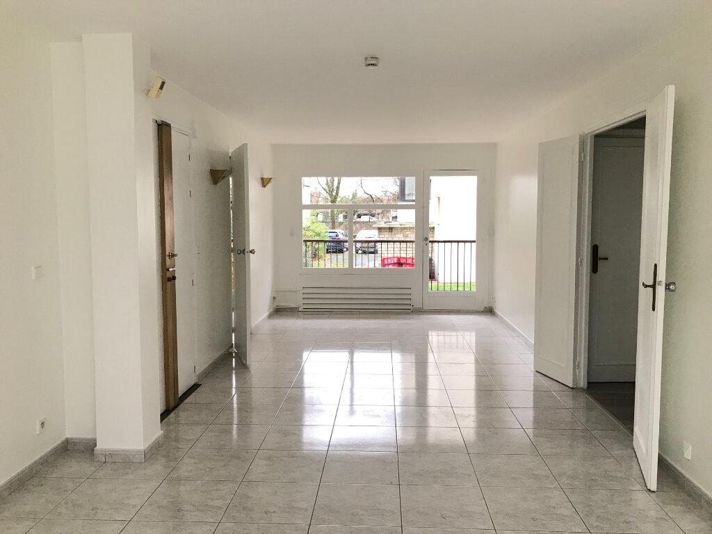 Appartement à louer 5 96.51m2 à Saint-Maur-des-Fossés vignette-4