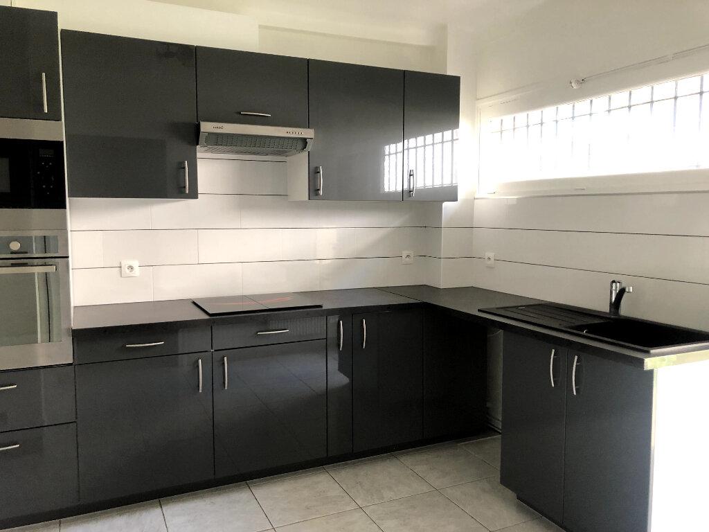 Appartement à louer 5 96.51m2 à Saint-Maur-des-Fossés vignette-7