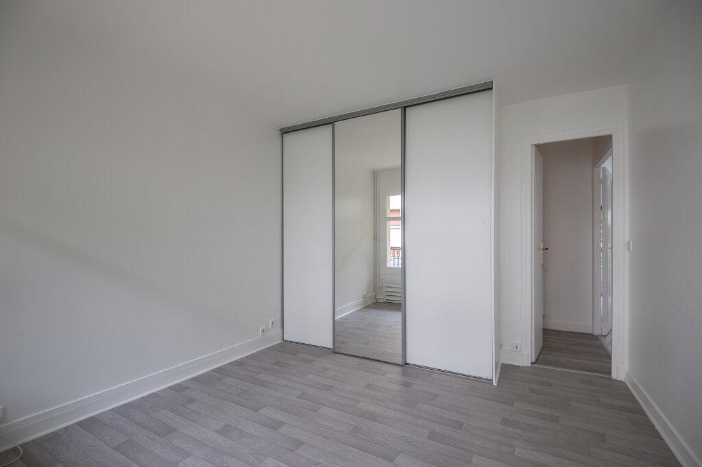 Appartement à louer 5 96.51m2 à Saint-Maur-des-Fossés vignette-11