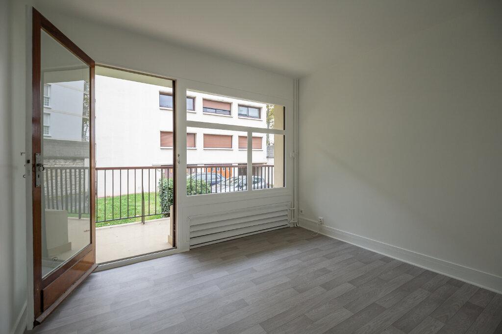 Appartement à louer 5 96.51m2 à Saint-Maur-des-Fossés vignette-12