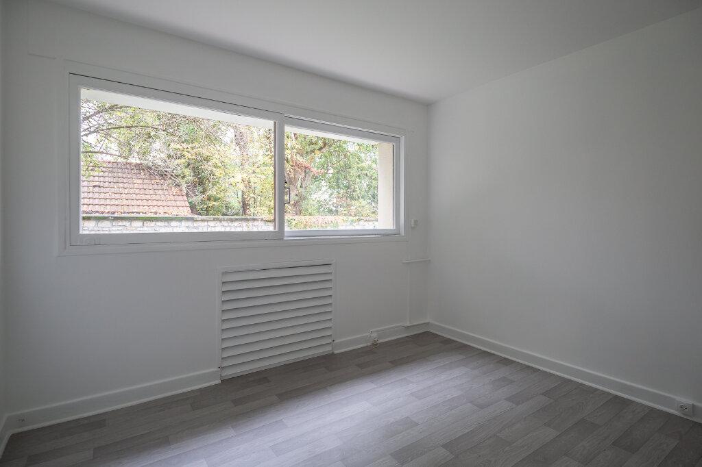 Appartement à louer 5 96.51m2 à Saint-Maur-des-Fossés vignette-15