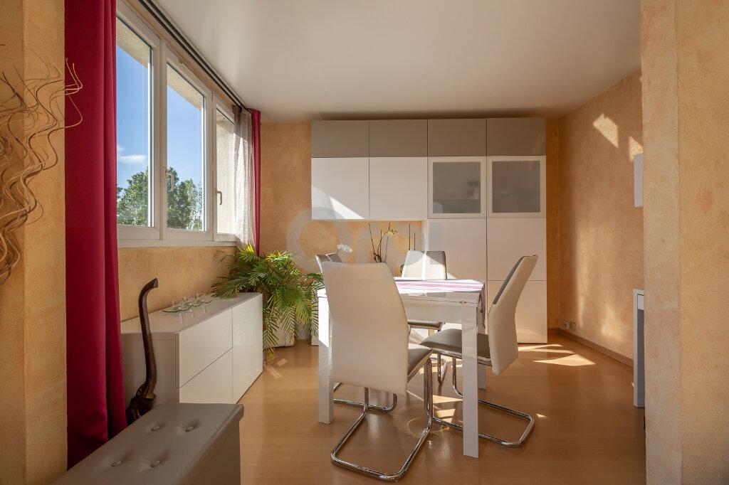 Appartement à vendre 4 64m2 à Joinville-le-Pont vignette-4