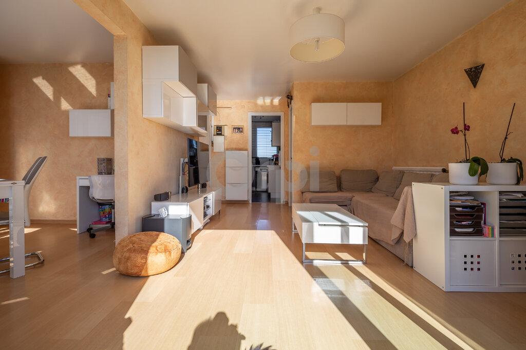Appartement à vendre 4 64m2 à Joinville-le-Pont vignette-5