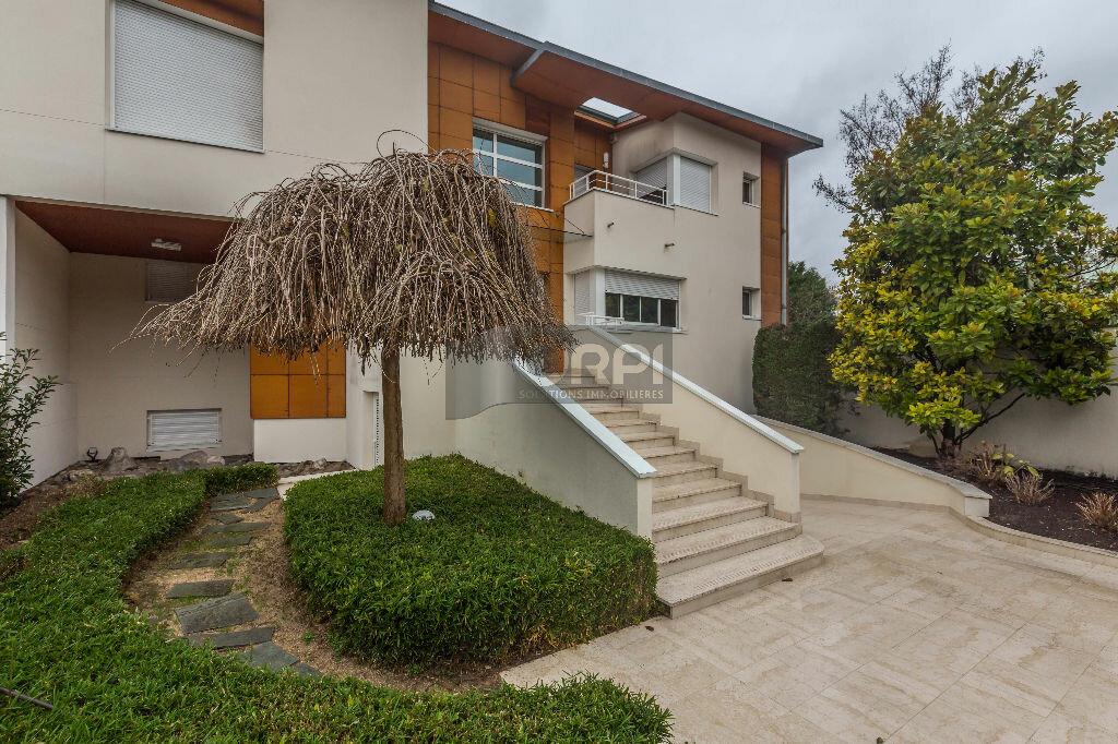 Maison à vendre 6 243m2 à Maisons-Alfort vignette-1