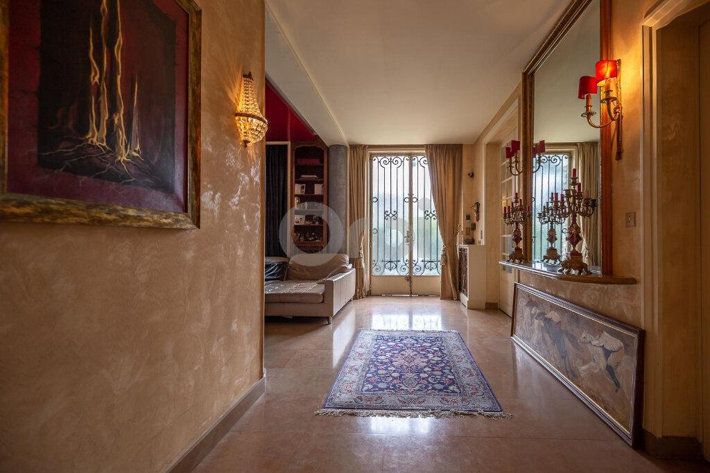 Maison à vendre 10 280m2 à La Varenne - Saint-Maur-des-Fossés vignette-1