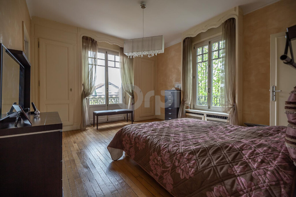 Maison à vendre 10 280m2 à La Varenne - Saint-Maur-des-Fossés vignette-10