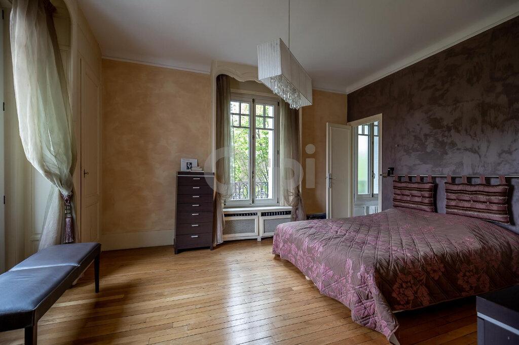Maison à vendre 10 280m2 à La Varenne - Saint-Maur-des-Fossés vignette-11