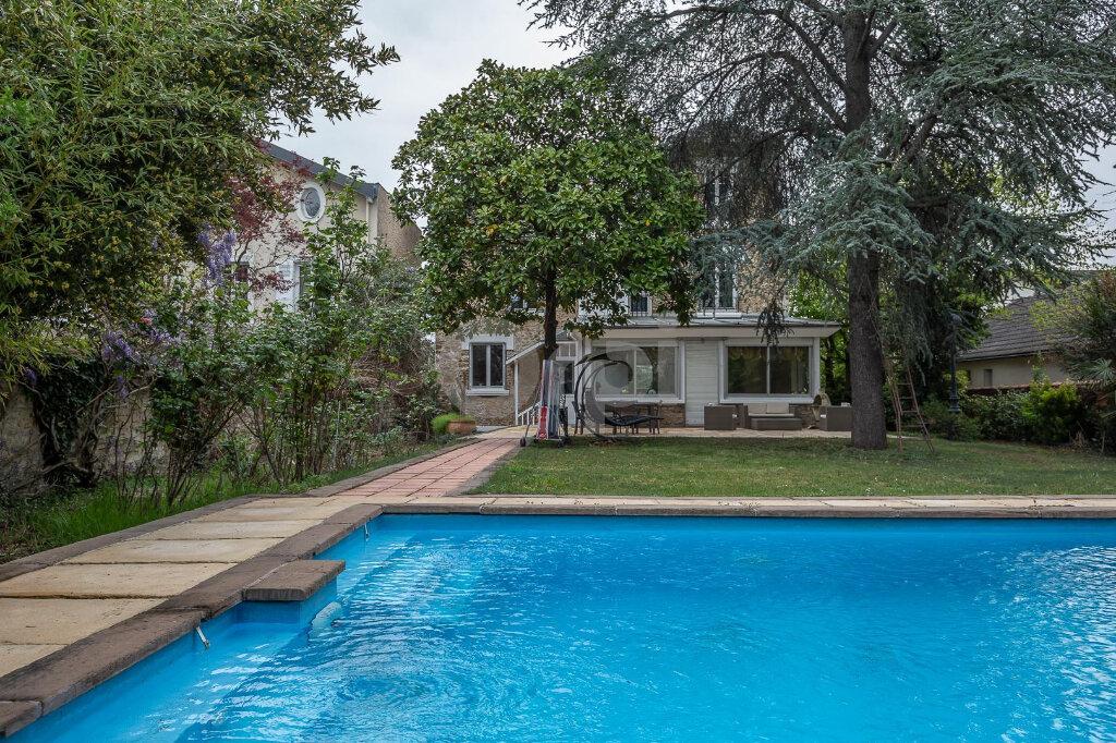 Maison à vendre 10 280m2 à La Varenne - Saint-Maur-des-Fossés vignette-15