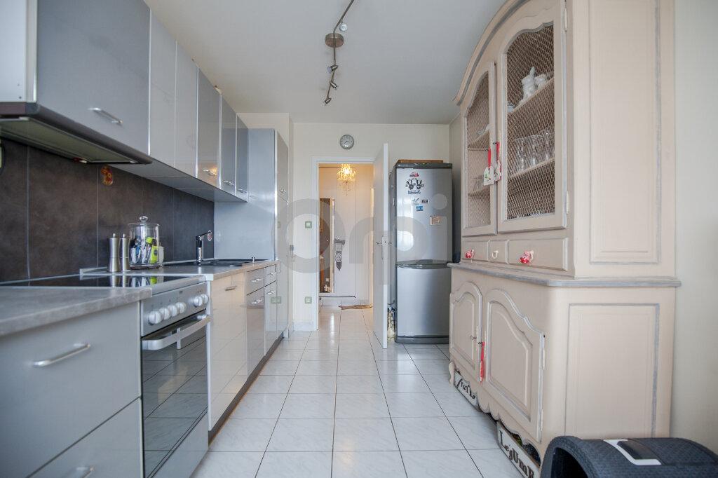 Appartement à vendre 4 84.52m2 à Créteil vignette-3