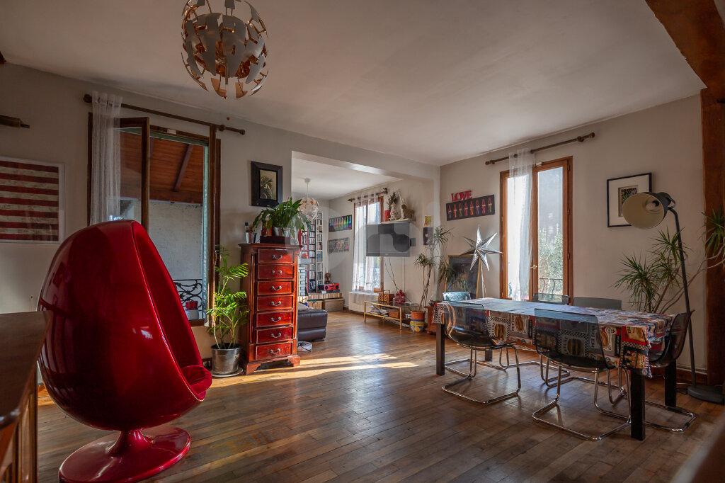 Maison à vendre 5 108.14m2 à Joinville-le-Pont vignette-3