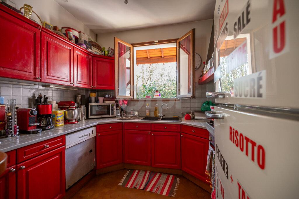 Maison à vendre 5 108.14m2 à Joinville-le-Pont vignette-6