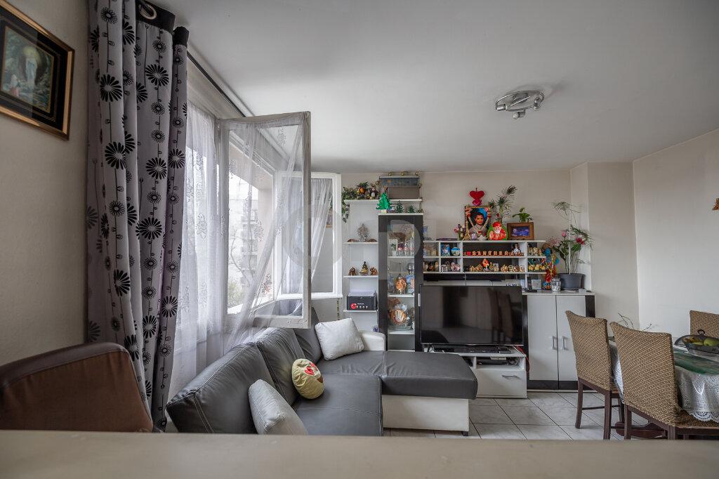 Appartement à vendre 3 52m2 à Saint-Maurice vignette-3