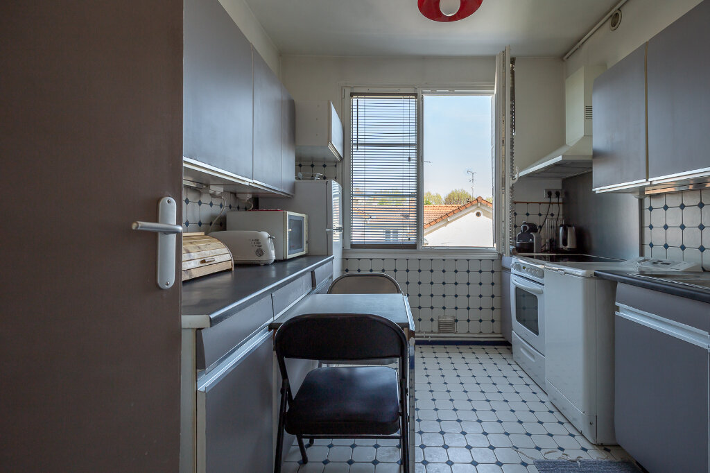 Appartement à louer 4 75m2 à Joinville-le-Pont vignette-8