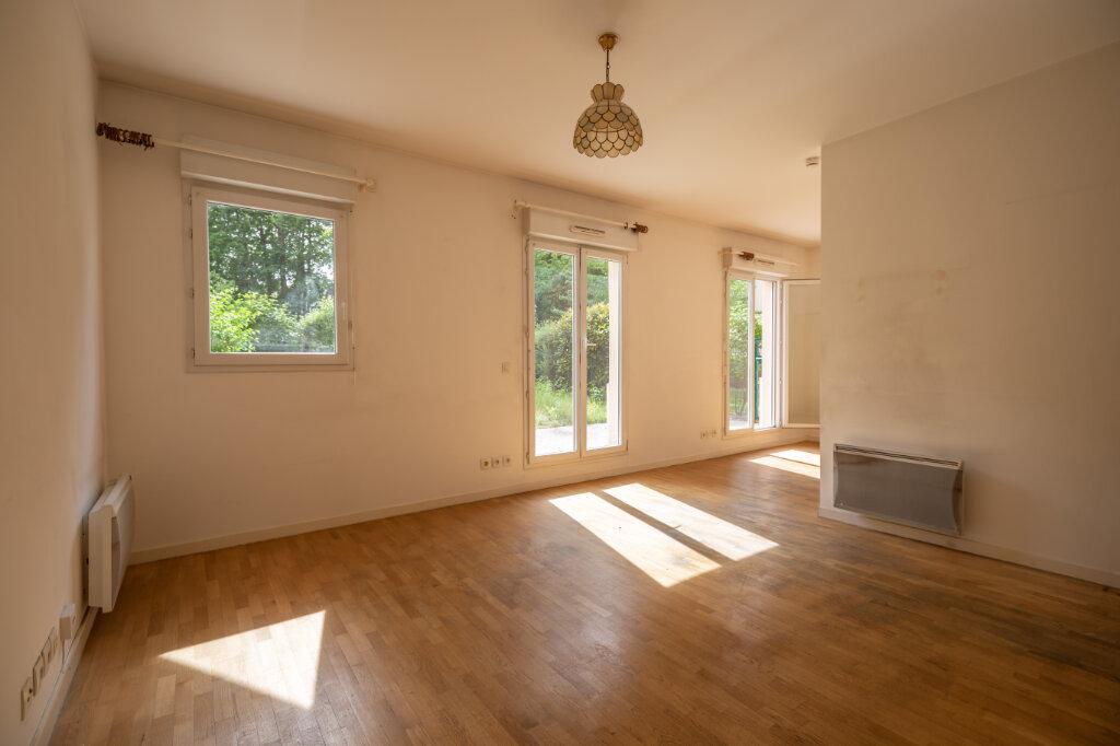 Appartement à vendre 2 40.55m2 à Le Plessis-Trévise vignette-4