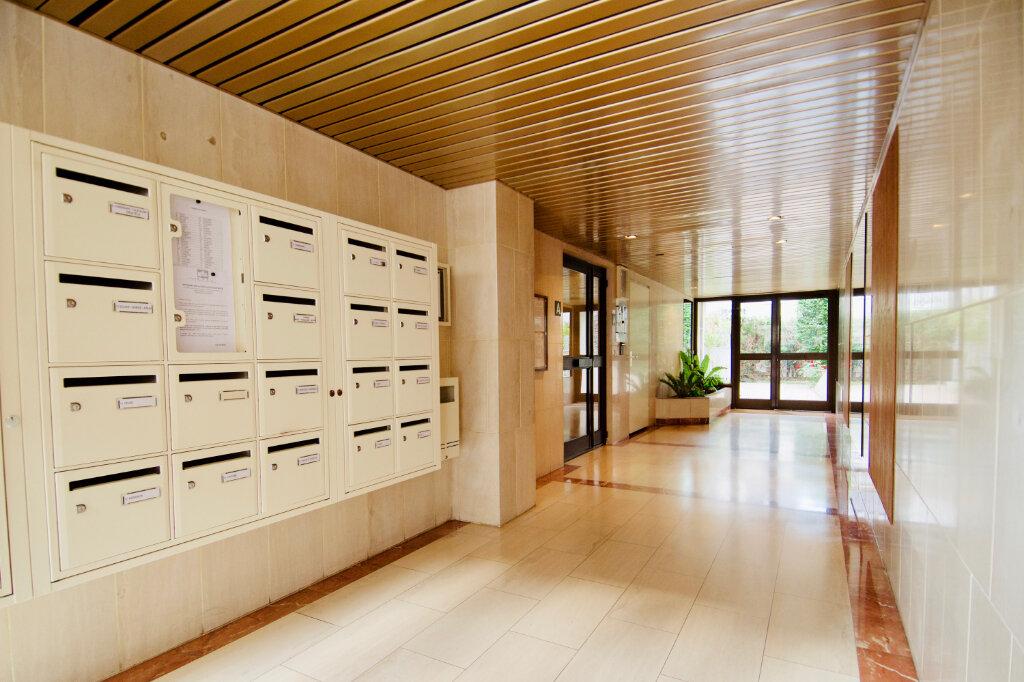 Appartement à louer 2 54.38m2 à Saint-Maurice vignette-1