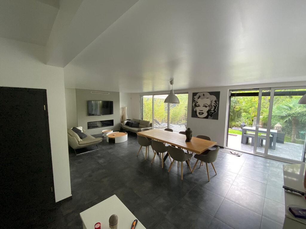Maison à vendre 8 175m2 à Joinville-le-Pont vignette-11