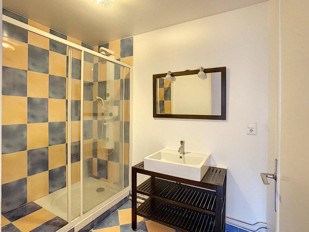 Appartement à louer 3 86.3m2 à Joinville-le-Pont vignette-6