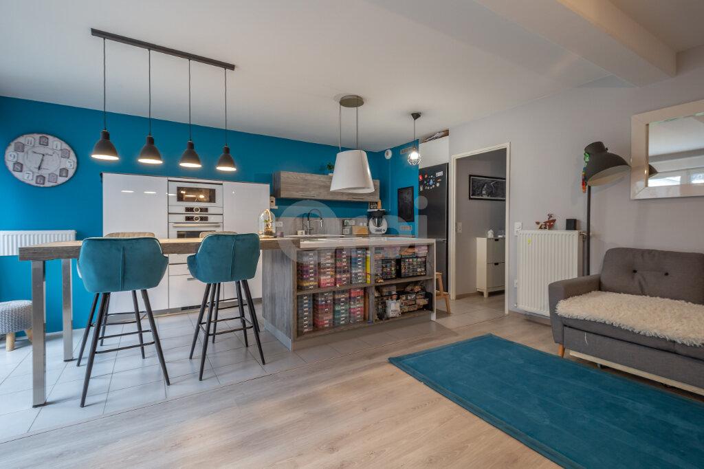Appartement à vendre 3 72.81m2 à Joinville-le-Pont vignette-1