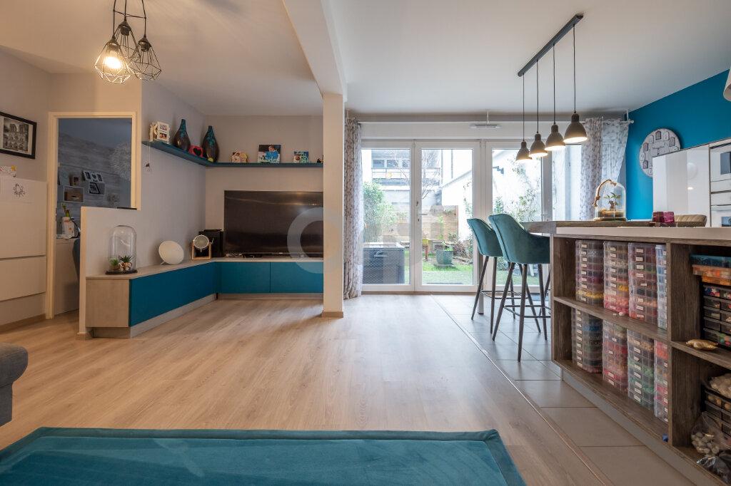 Appartement à vendre 3 72.81m2 à Joinville-le-Pont vignette-5