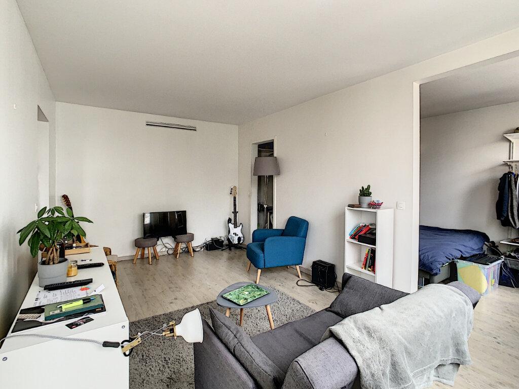 Appartement à louer 2 40.62m2 à Créteil vignette-3
